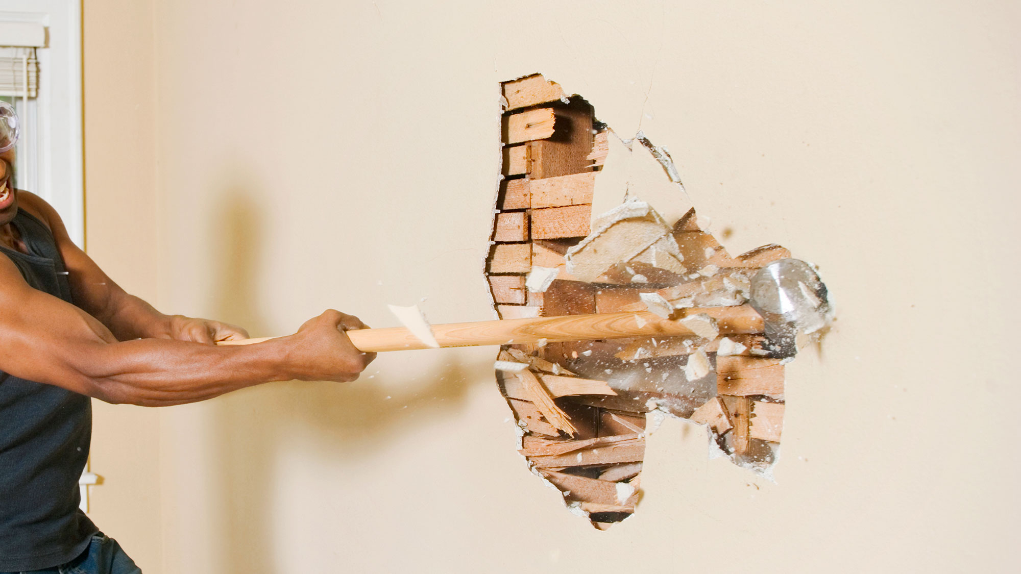 What to do before demolishing a wall of your house